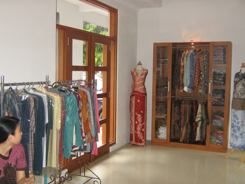 desain interior butik alvy1