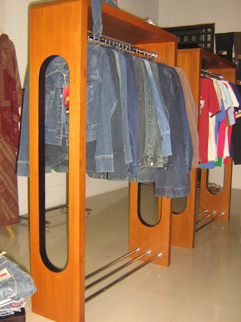 desain interior butik alvy10