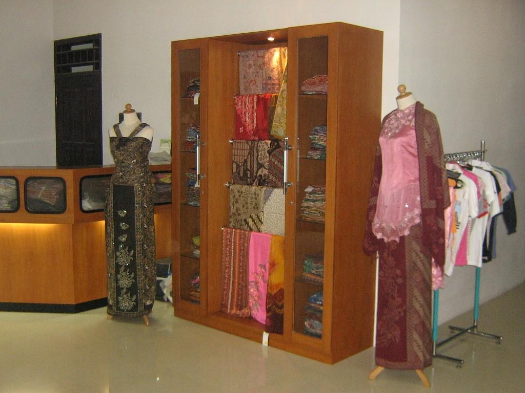desain interior butik alvy3