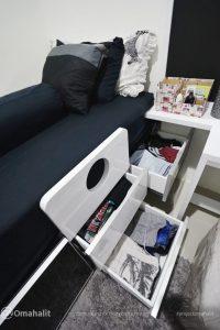 Laci pada bawah bed