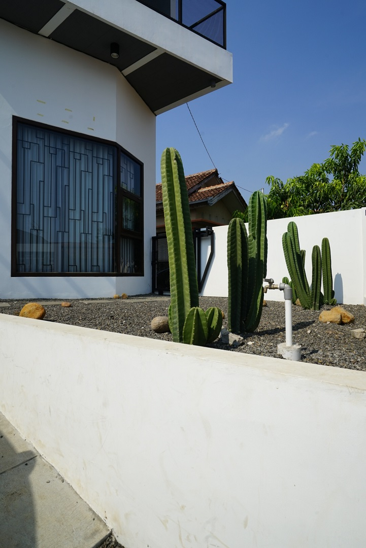 Desain Interior Industrial Garden