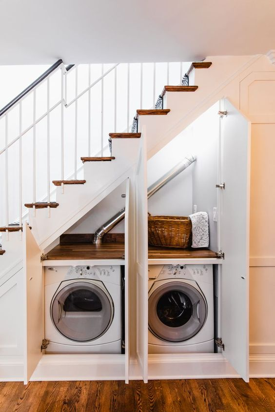 Menyediakan tempat mesin cuci di bawah tangga