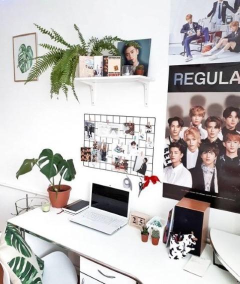 Tips Menata Kamar Untuk Penggemar Kpop Photo by Pinterest