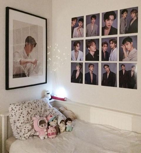 desain interior kamar penggemar kpop Photo by Pinterest