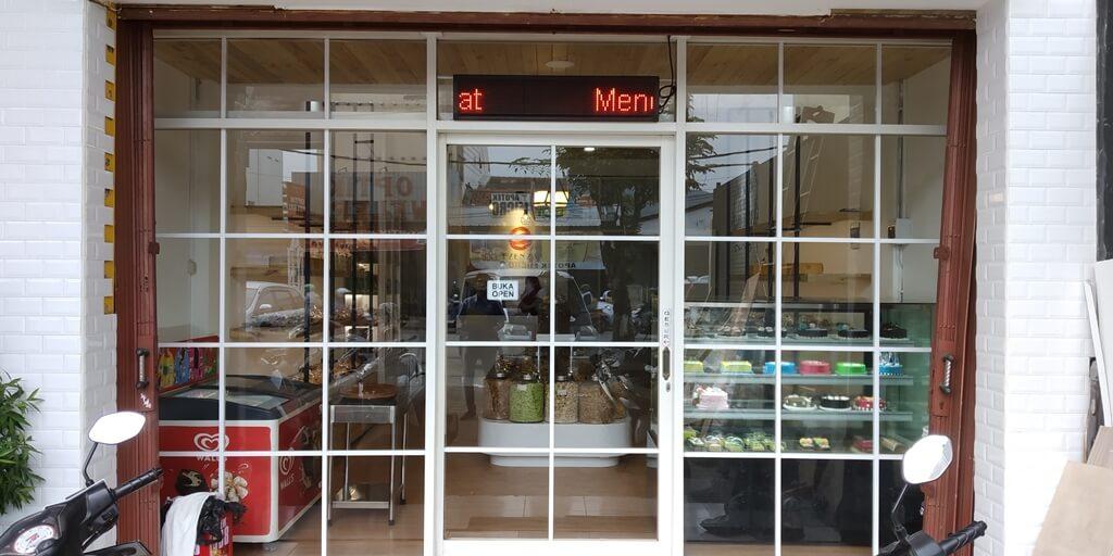 Desian Interior Toko Roti
