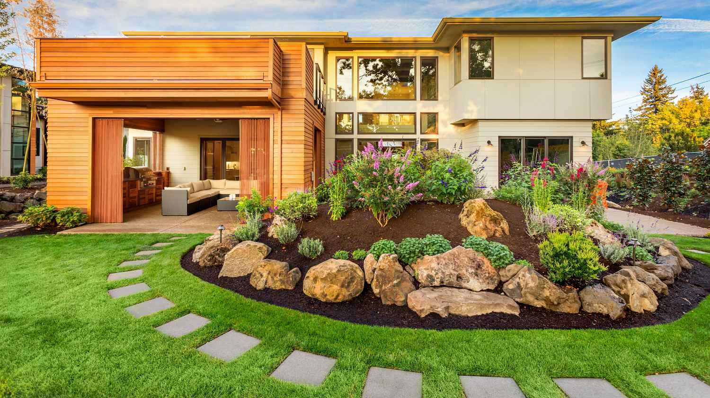 Tips dekorasi taman depan rumah minimalis